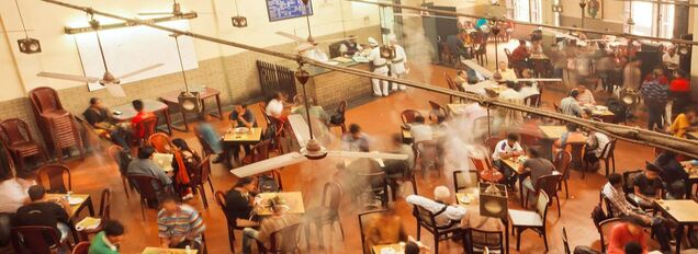 Busy restaurant picture for ordyx pos blog post